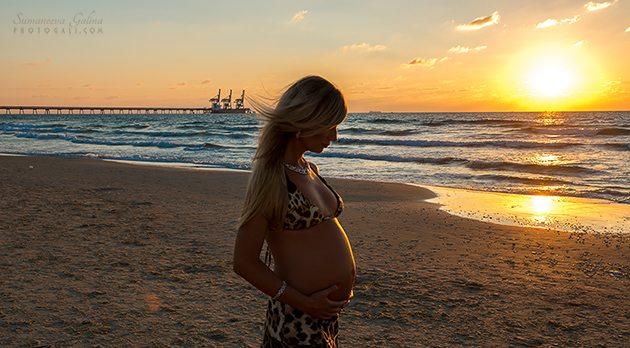 Фотографии беременности на пляже