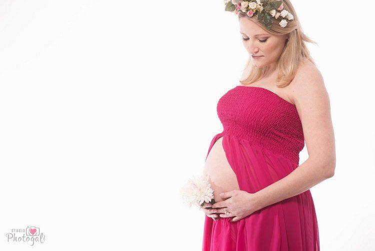 בגדים לצילומי הריון