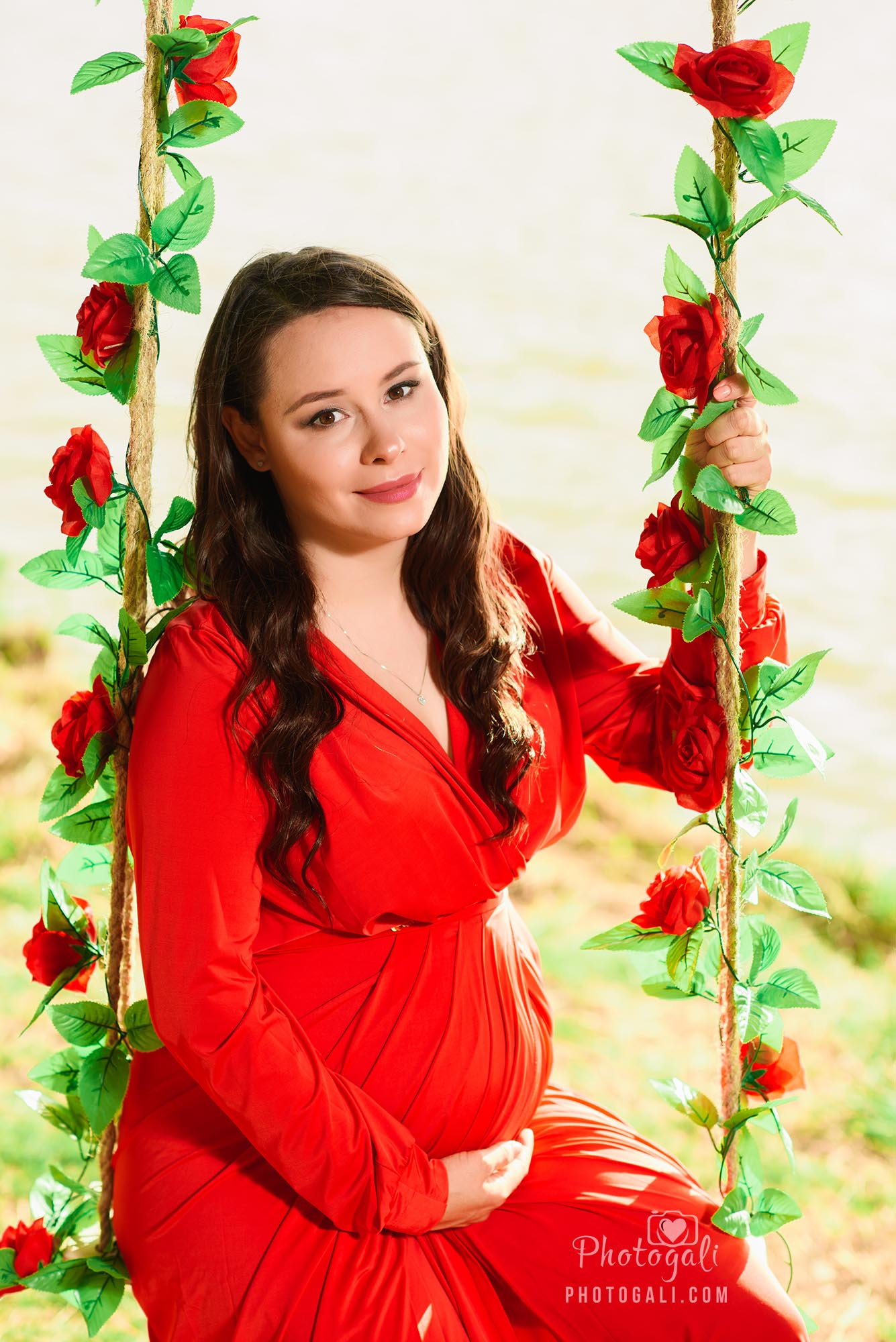 שמלה-אדומה-לצילומי-הריון (1)